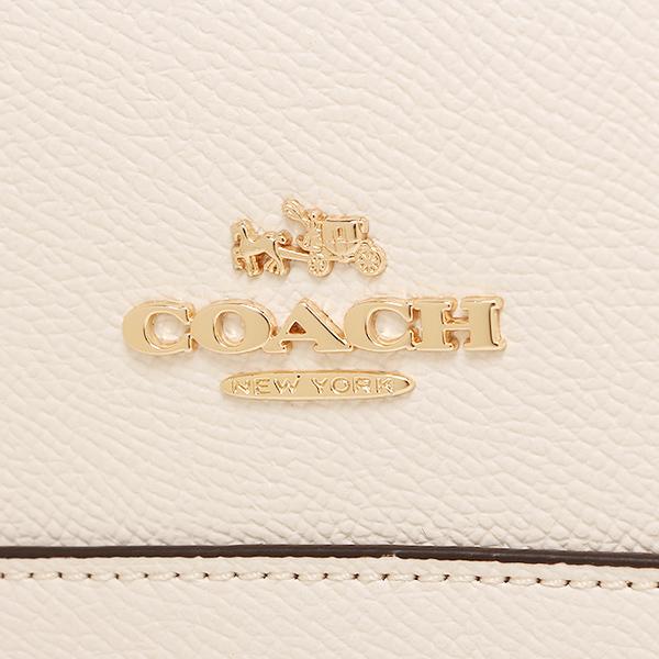 logo sáng bóng và tinh xảo của thương hiệu Coach chính hãng