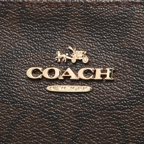 Logo thương hiệu được làm rõ nét, nổi bật và làm nổi bằng kim loại dễ thấy trên sản phẩm