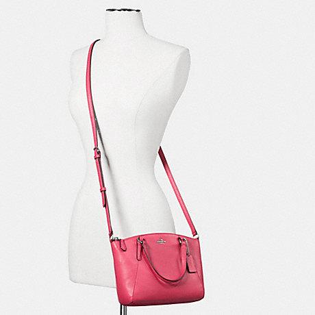 Túi Coach F57563 Pebble Leather Mini Kelsey Gold/Bright Pink - Chính hãng sang trọng và trẻ trung giúp phối đồ dễ dàng