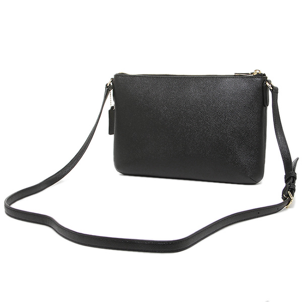 Kiểu dáng túi dễ sử dụng, dễ kết hợp với nhiều loại trang phục khác nhau